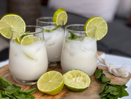 kokosmelk mocktail met limoen en verse munt