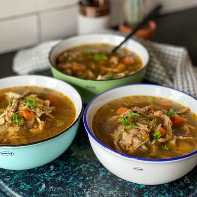 kippensoep met soepkip en Oosters tintje