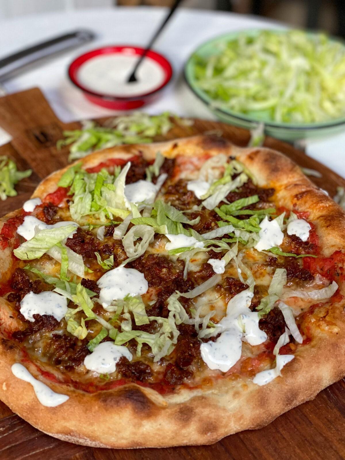 pizza met pittig gehakt