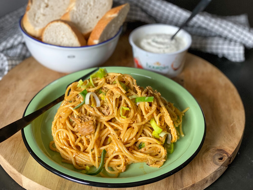 romige spaghetti met prei en tonijn