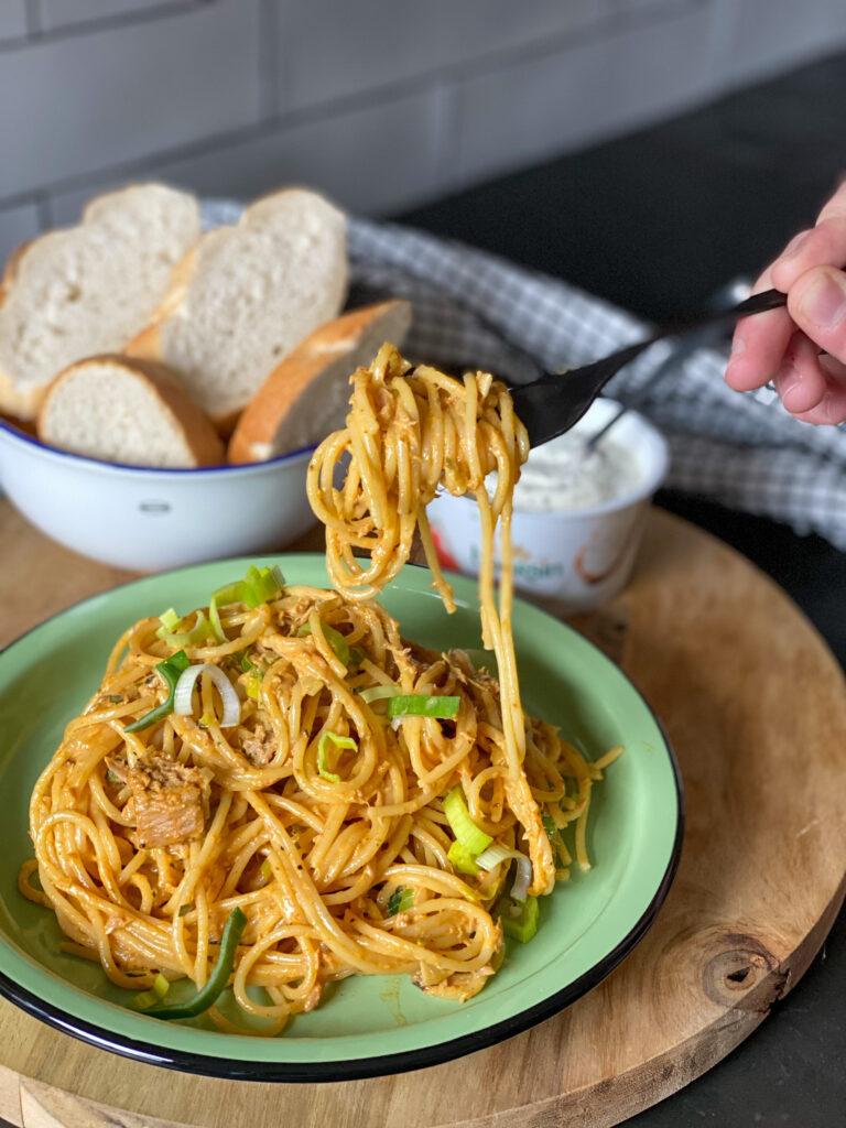 spaghetti met prei en tonijn