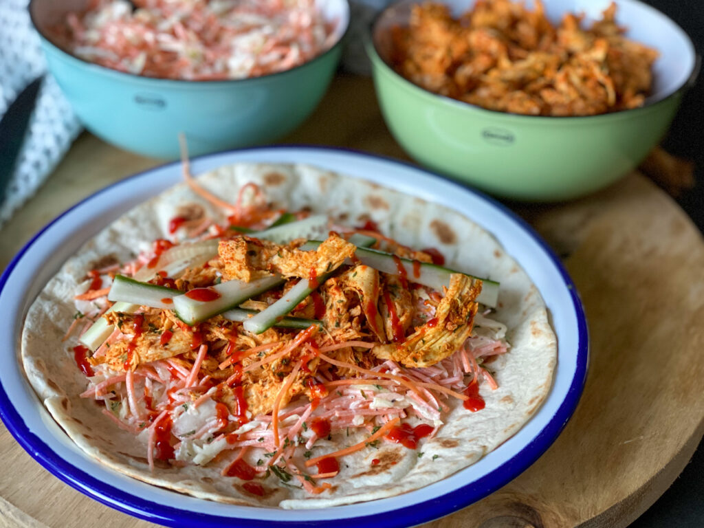 wraps met pulled chicken en coleslaw