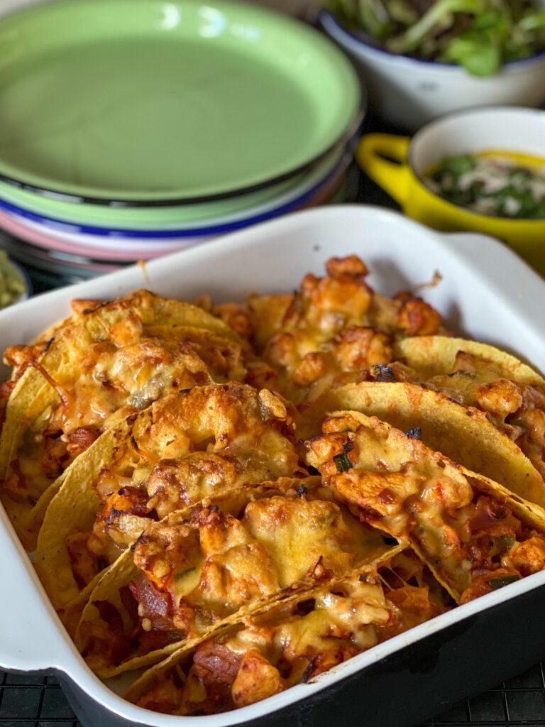taco's met kruidige kip en groenten