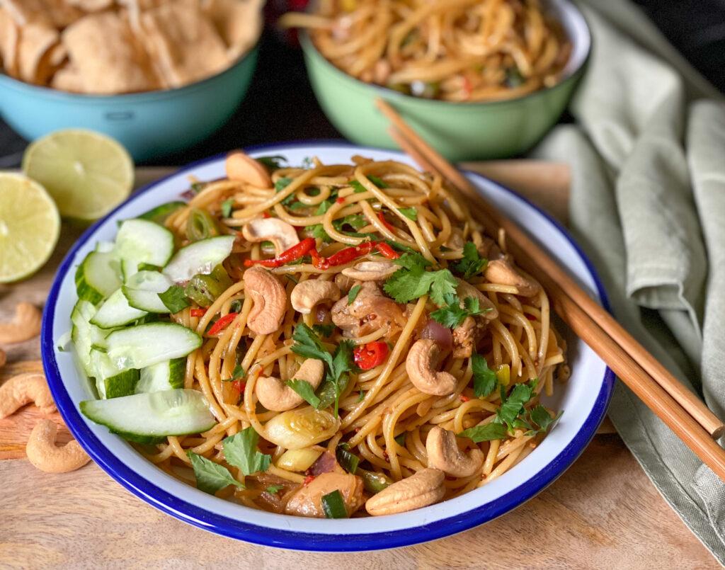 Thaise noedels met kip en wokgroente