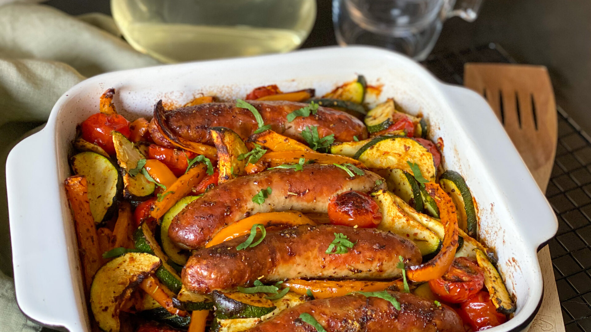 gegrilde worst en groenten uit de oven