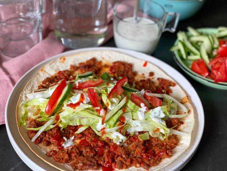 Vegetarische Turkse pizza wraps