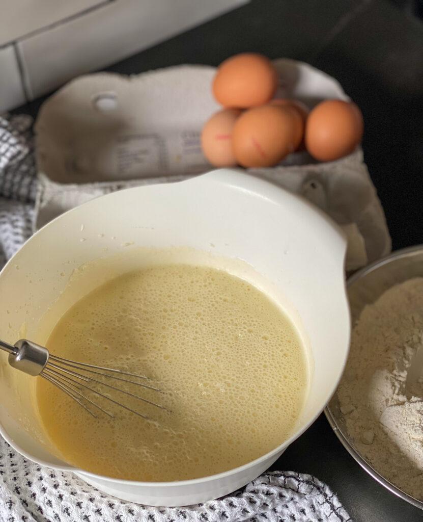 beslag wafels met melk en zelfrijzend bakmeel