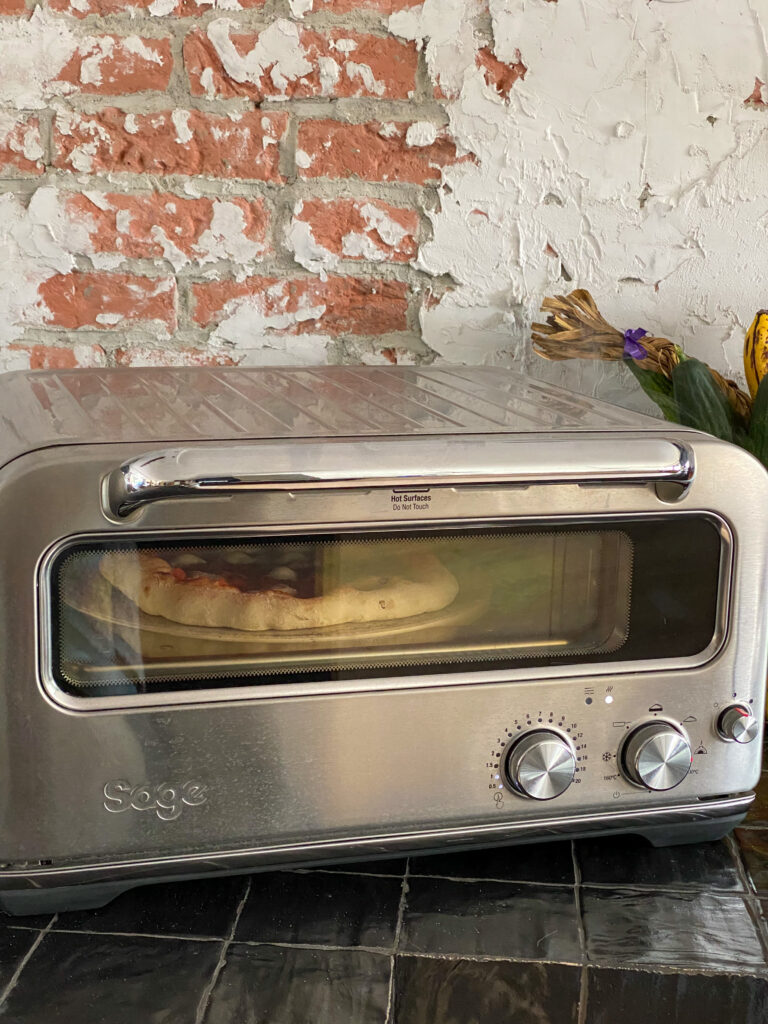 pizza oven van Sage